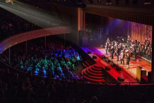 "The ""Tokens Show"" will close out its 11th season Sunday with its annual Thanksgiving show at the Ryman Auditorium."