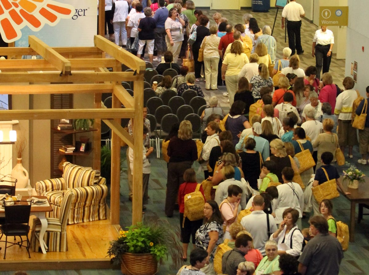 People line up for the 2011 Longaberger Annual Bee