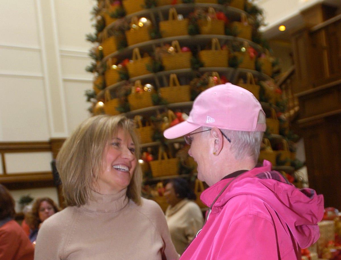 Tami Longaberger greets Martha Sheldon of Tonawanda, New York, during the 2007 Christmas tree lighting at the Longaberger basket building.