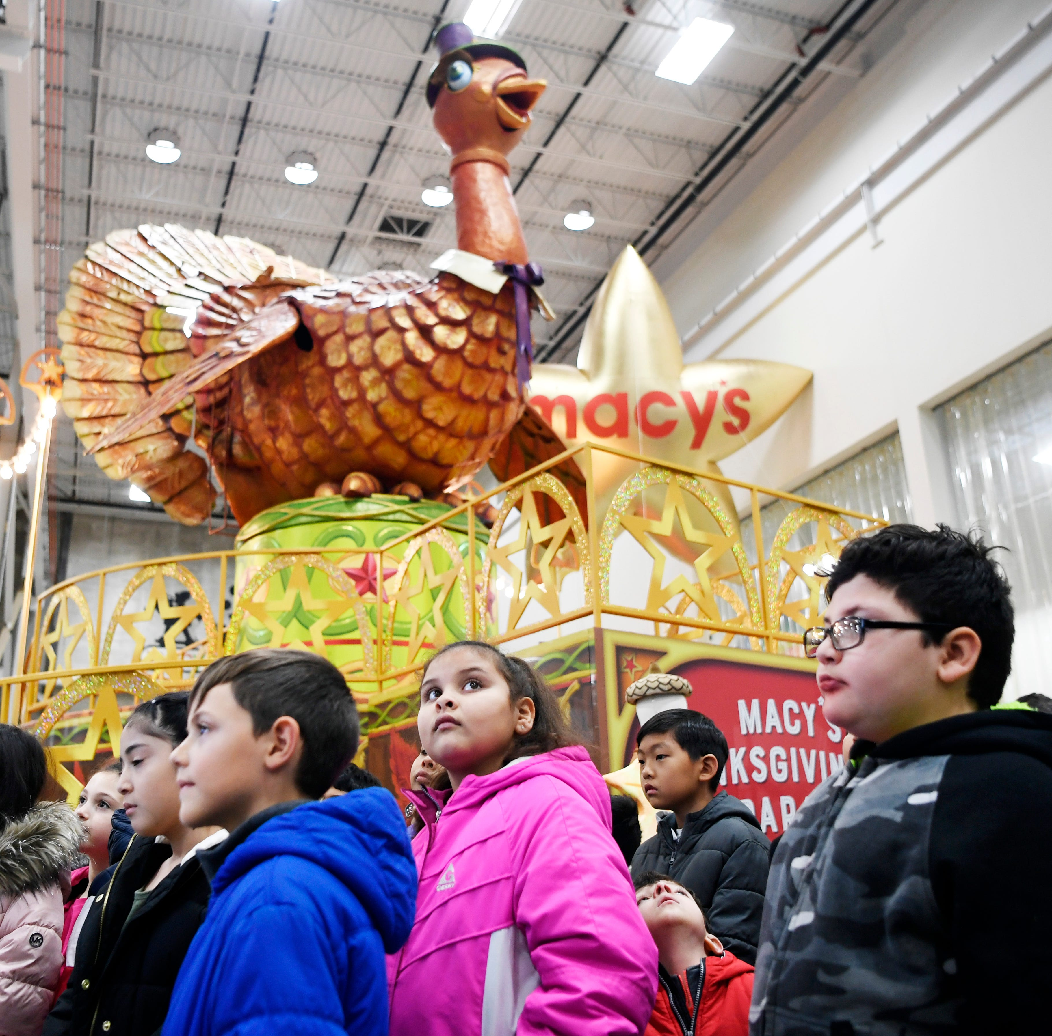 NJ students get behind-the-scenes tour of Macy's Thanksgiving Day Parade studio