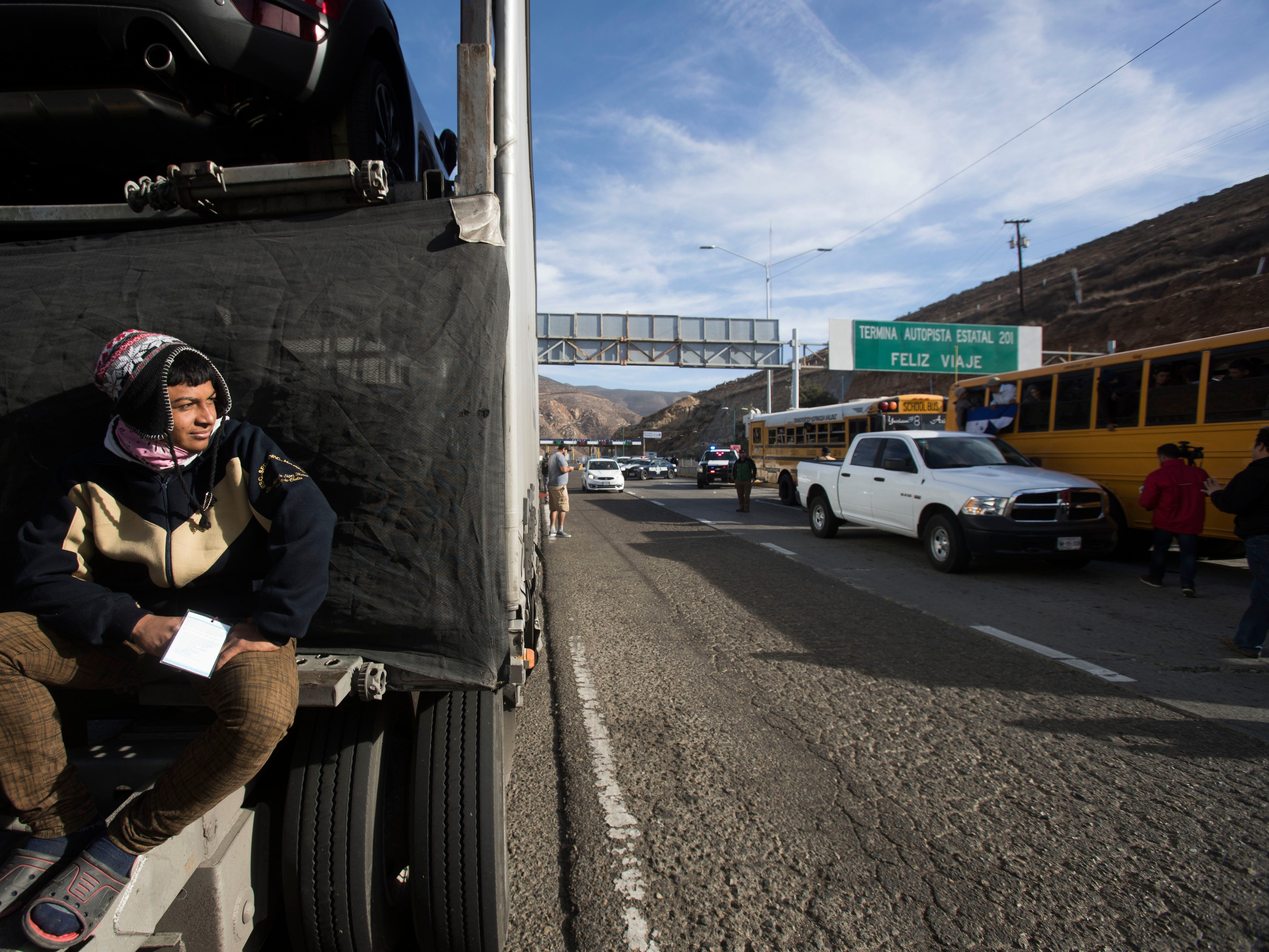The first waves of the migrant caravan have arrived at U.S.-Mexico border; thousands more expected in coming days