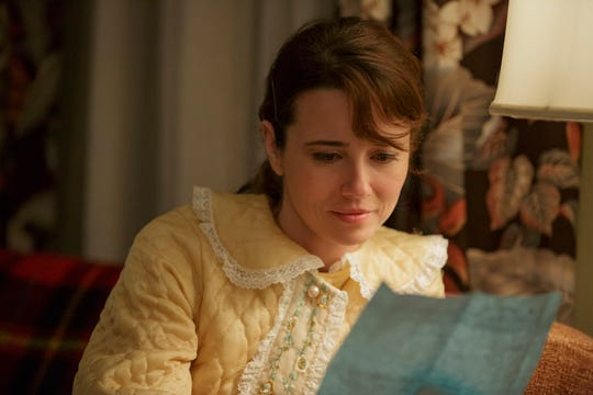 "Linda Cardellini plays Dolores in ""Green Book."""