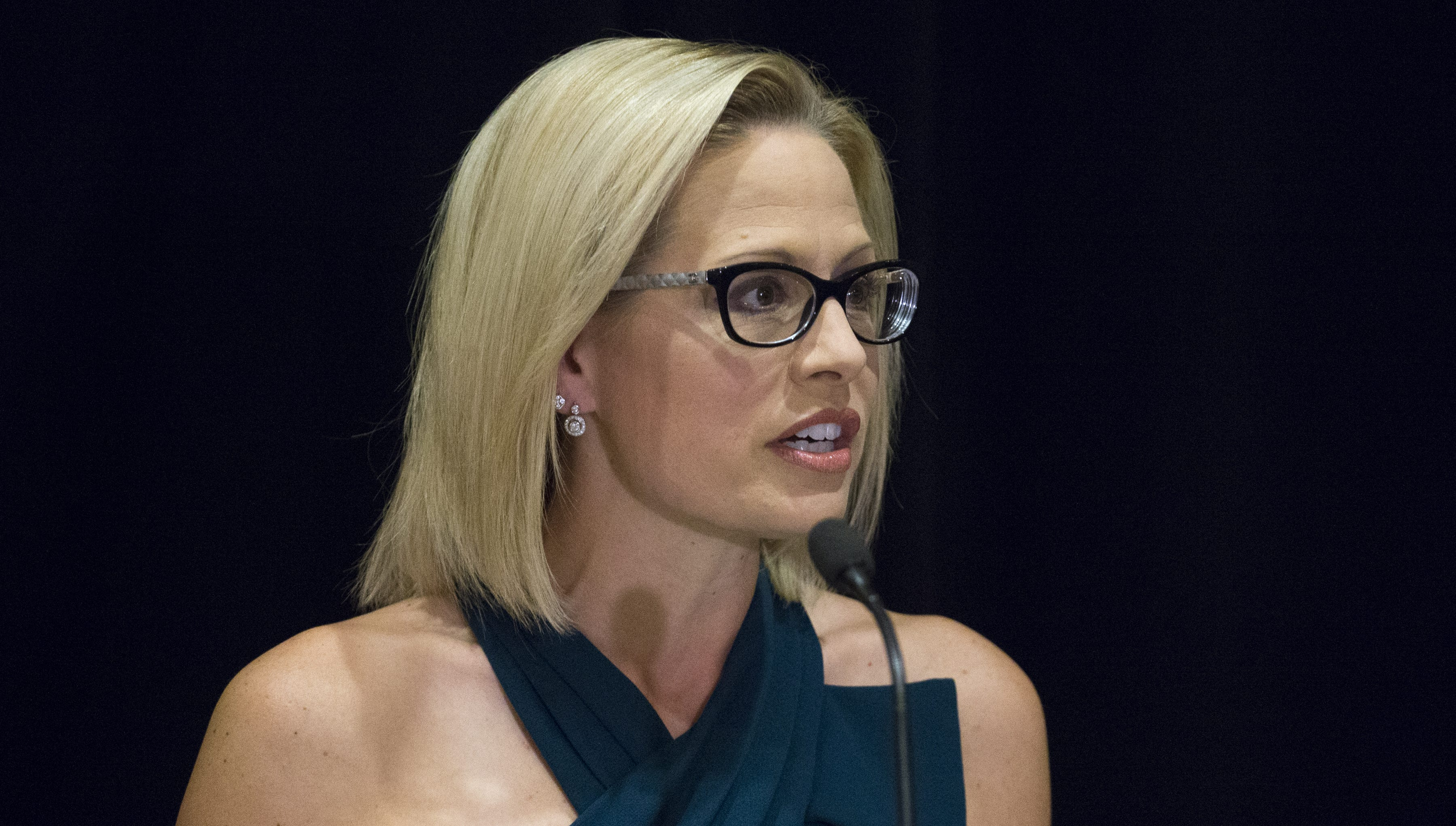 'Gaggle' podcast: Kyrsten Sinema just rewrote the Democrats' playbook