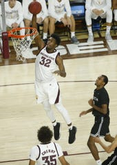 Arizona State's De'Quon Lake (32) dunks the ball against Long Beach State during the second half at Wells Fargo Arena in Tempe, Ariz. on November 12, 2018.