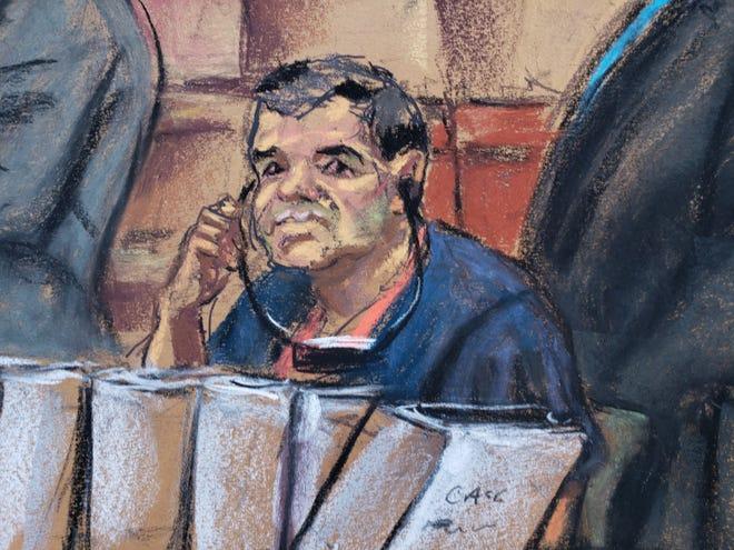 """Reproducción fotográfica de un dibujo realizado por la artista Jane Rosenberg donde aparece el narcotraficante mexicano Joaquín """"El Chapo"""" Guzmán durante su comparecencia."""