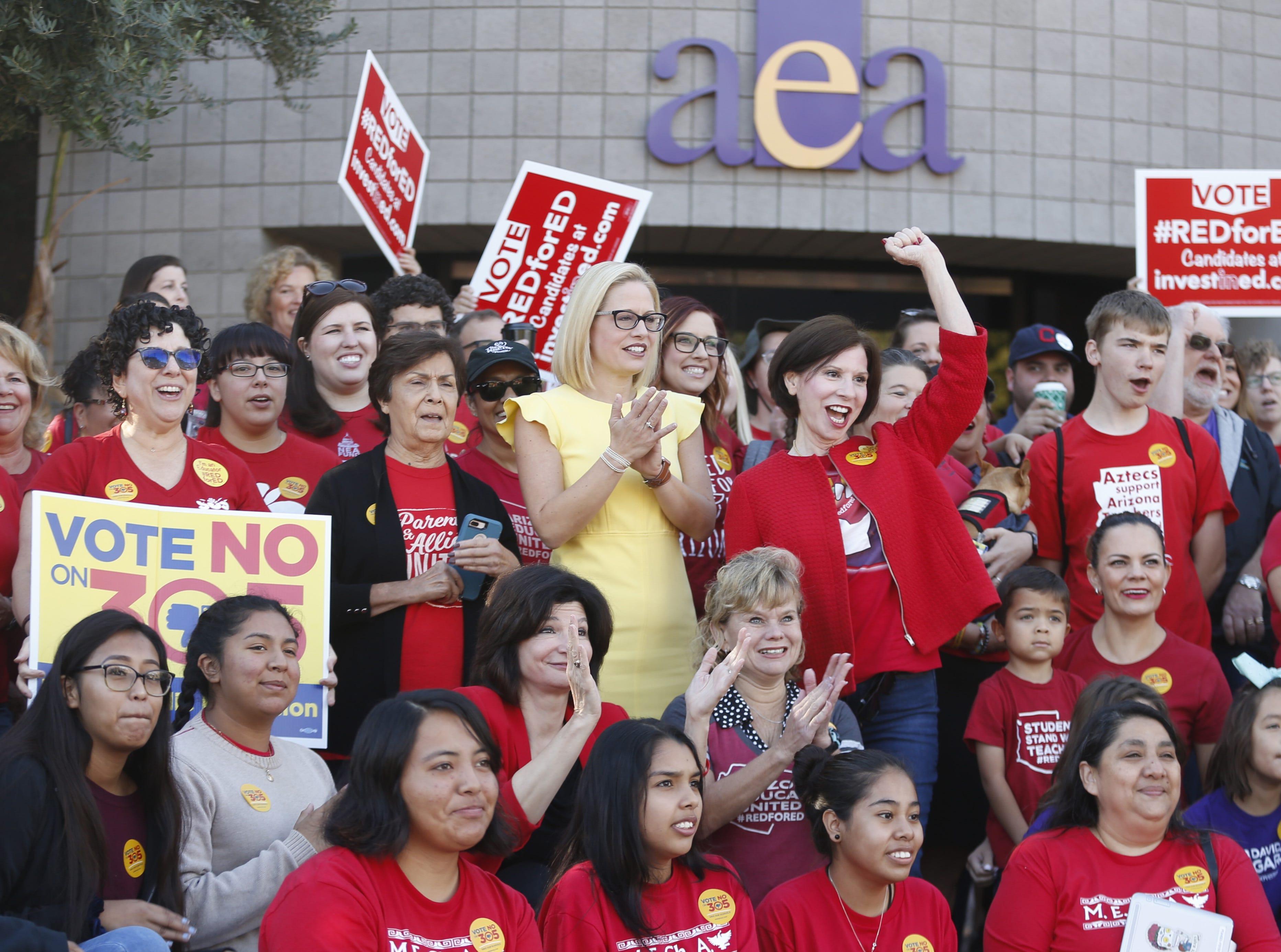 Fue respaldada por varias organizaciones a nivel local y nacional, incluida la Asociación de Educadores de Arizona que recientemente llevó a cabo de manera exitosa el movimiento #RedForEd.