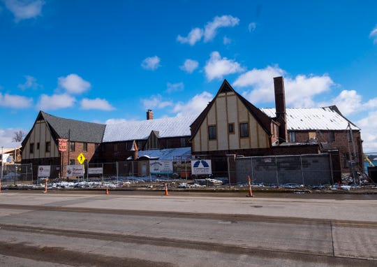 The developer of the St. Clair Inn has plans to renovate the old St. Clair Middle School into workforce housing. East China School Board members officially signed off transferring the purchase of the building to a corporation owned by Jeff Katofsky.