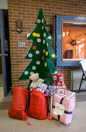 Port Huron Parks and Rec is helping to ensure all foster and low income kids in the area can have a happy holiday season by selling $1 gift bags to residents. Residents can then choose a child from the tree and fill it with gifts from their wish lists.