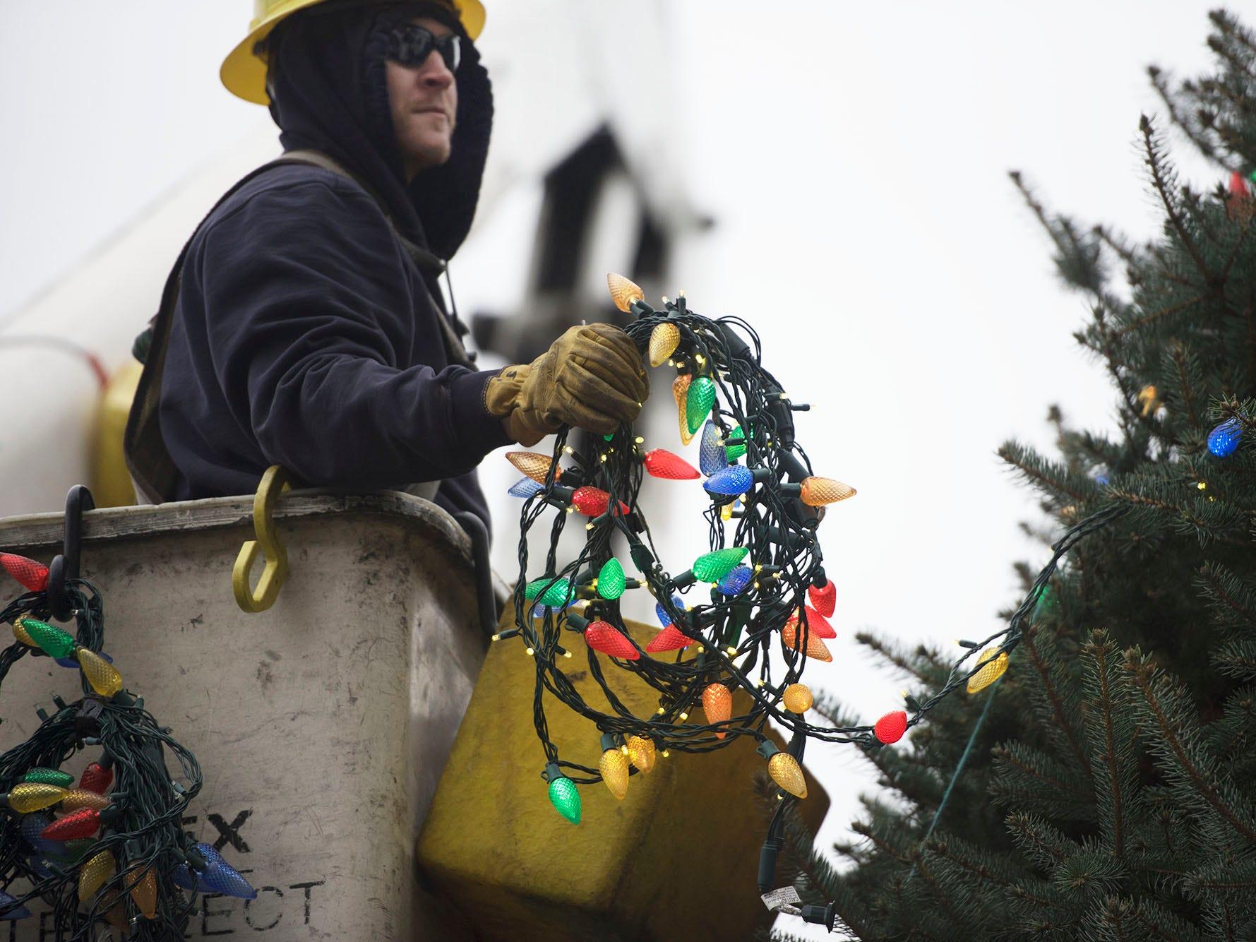 PHOTOS: The Christmas tree comes to Chambersburg