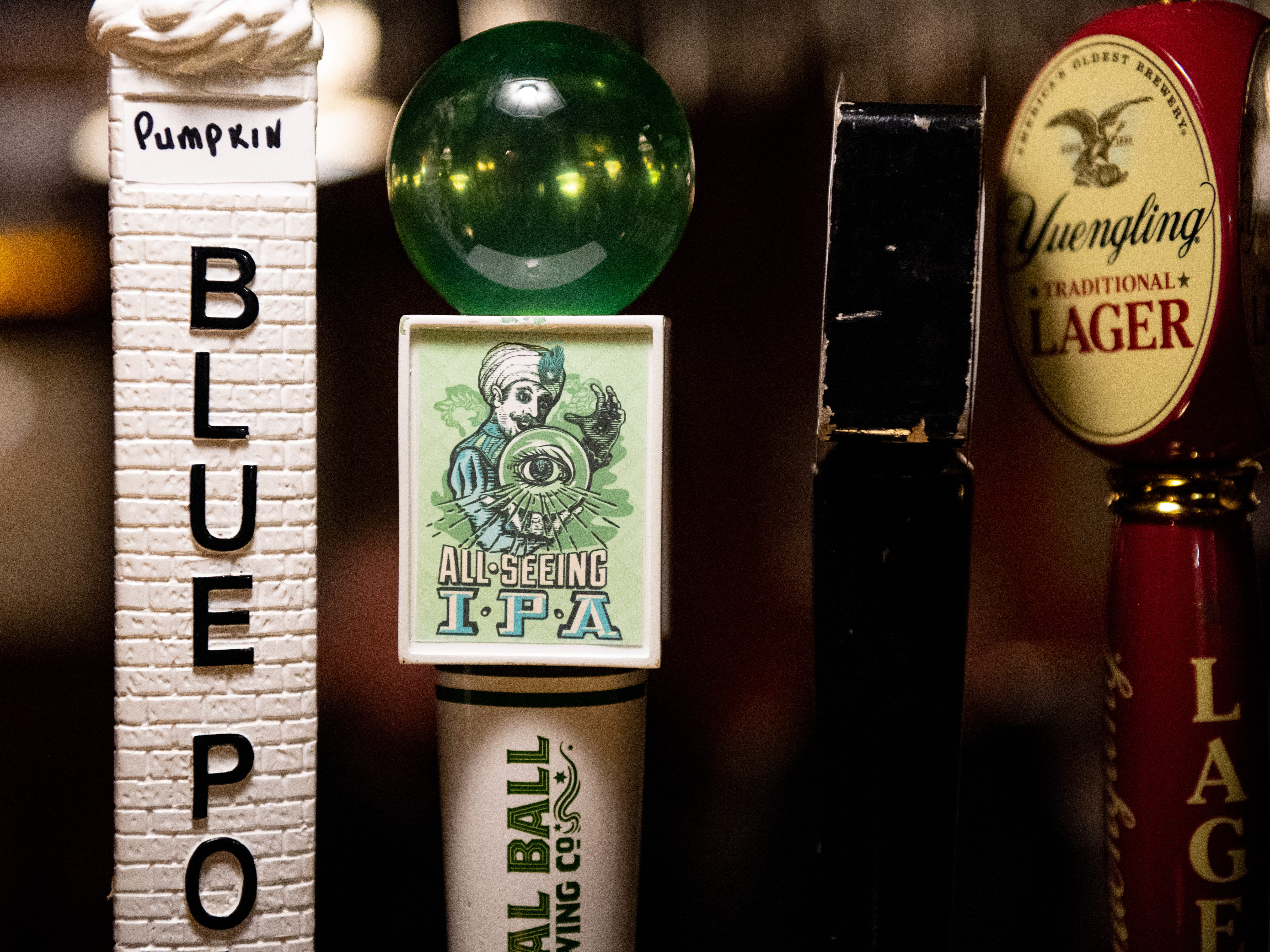 Roosevelt Tavern has a wide variety of beers on tap.