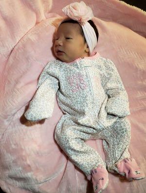 Genicia Raquel Contreras-Landa, born at 11:11 a.m. on 11/11/18 at St. Cloud Hospital.