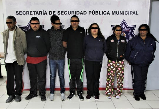 Juárez police arrested seven people suspected in the theft of a beer delivery truck.