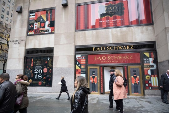 FAO Schwarz's new flagship store is steps from the Rockefeller Center Christmas Tree. There are two entrances, from Rockefeller Plaza, and from 49th Street between Sixth and Seventh avenues.