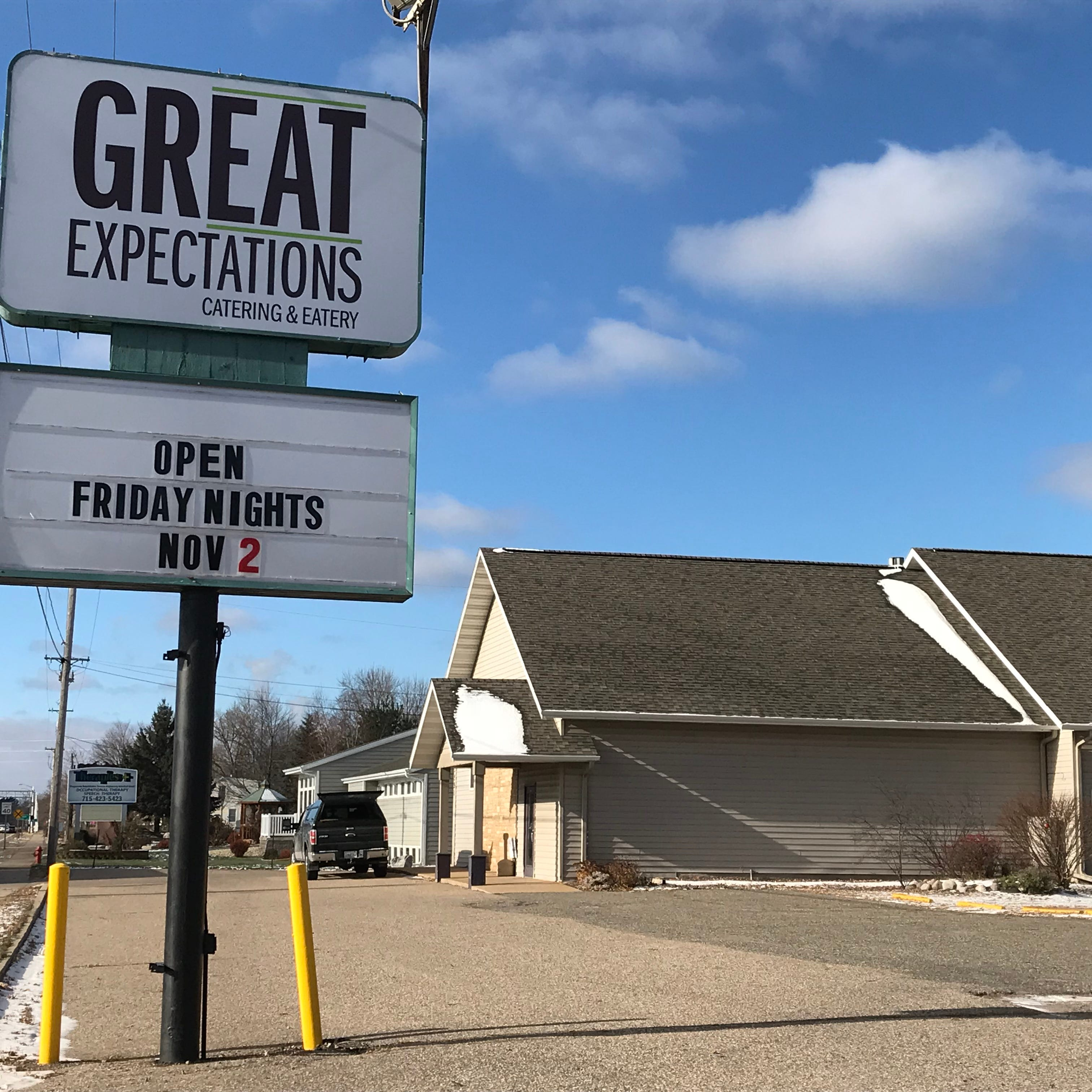 Great Expectations adds Friday dinners to its menu in Wisconsin Rapids