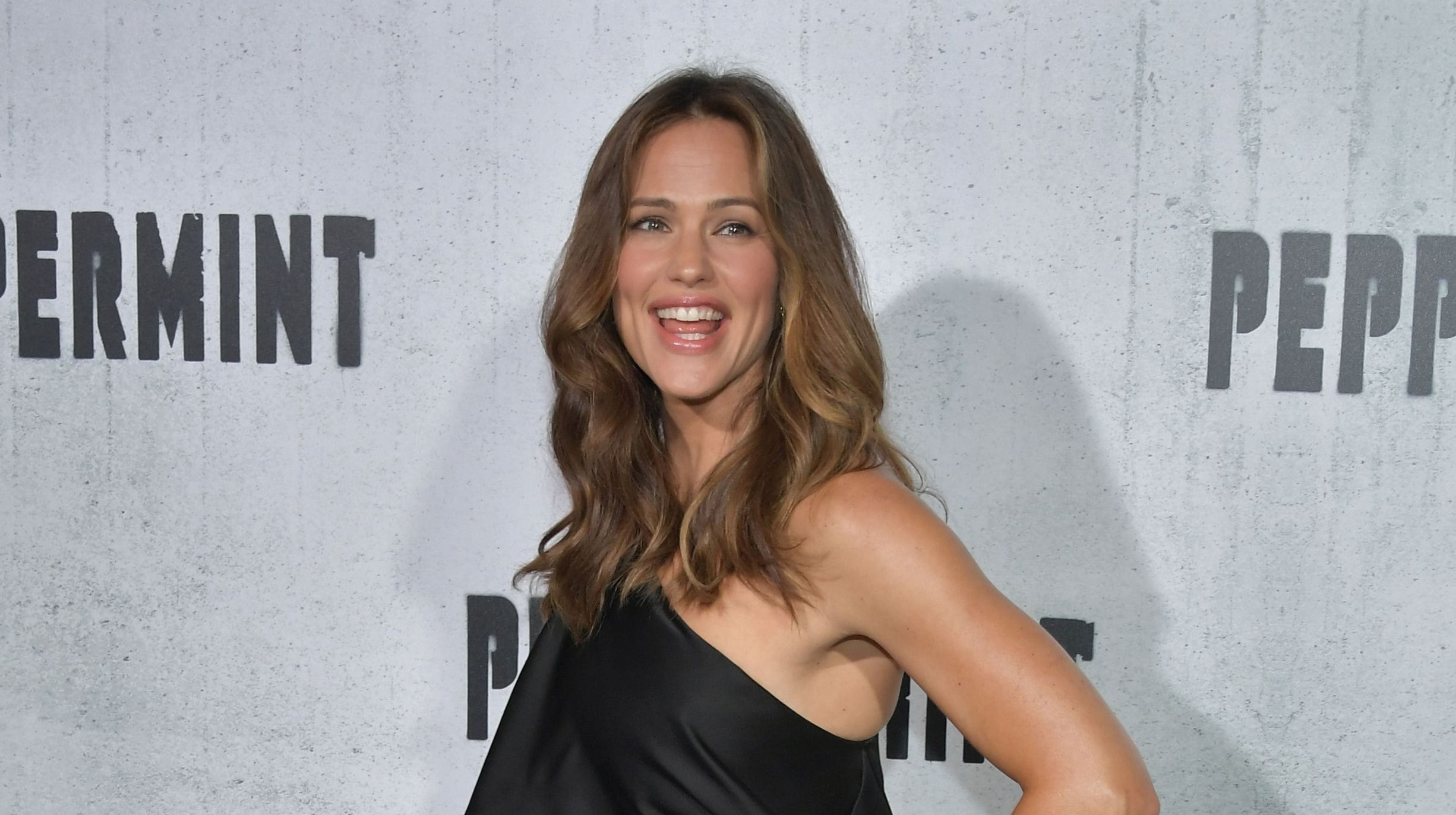Jennifer Garner called 'fun-killing' mom in daughter's note. Compliment, she wonders?