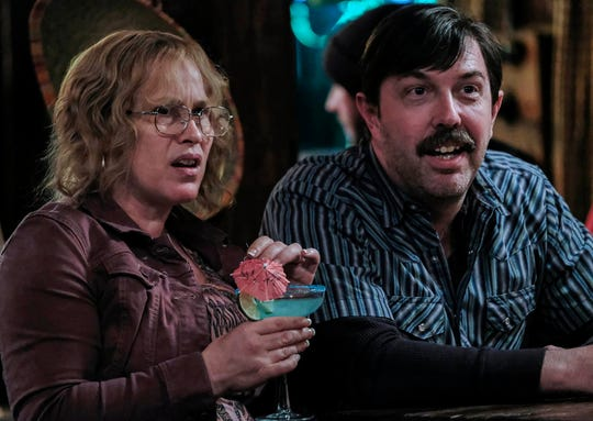 Patricia Arquette as Tilly and Eric Lange as Lyle Mitchell in Escape at Dannemora (Episode 3).