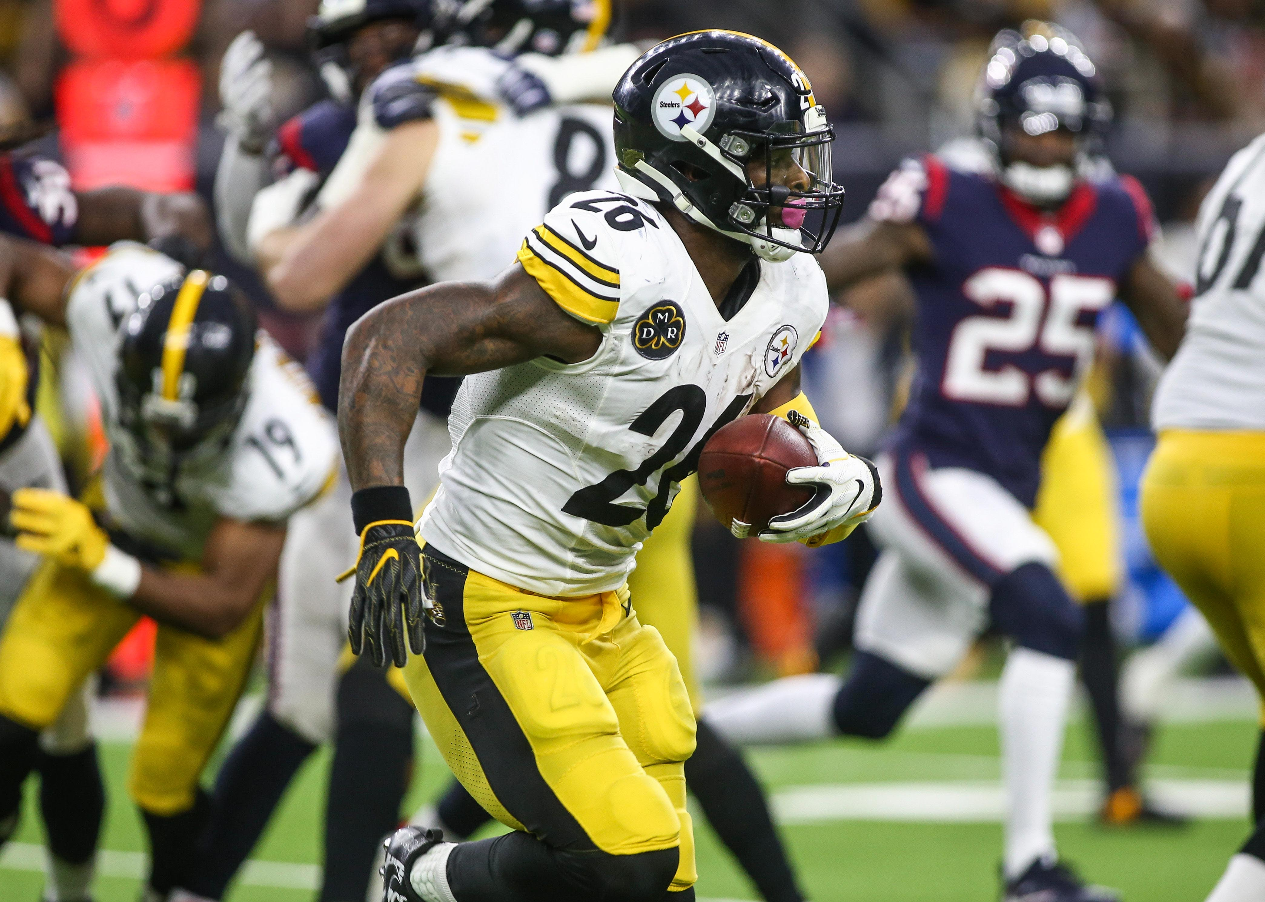 Le'Veon Bell's deadline to sign: Explaining stakes, possible outcomes for Steelers RB