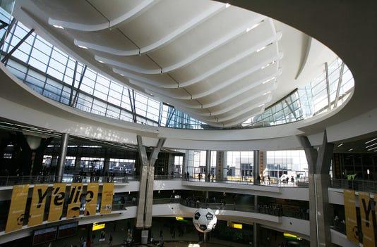 Afp Fbl Wc2010 Rsa Airport Transport S Soc Zaf