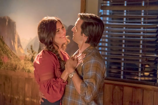 "Mandy Moore as Rebecca Pearson and Milo Ventimiglia as Jack Pearson in ""This Is Us."""