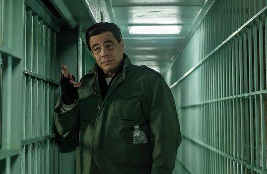 Benicio Del Toro as Richard Matt in Escape at Dannemora (Episode 1).
