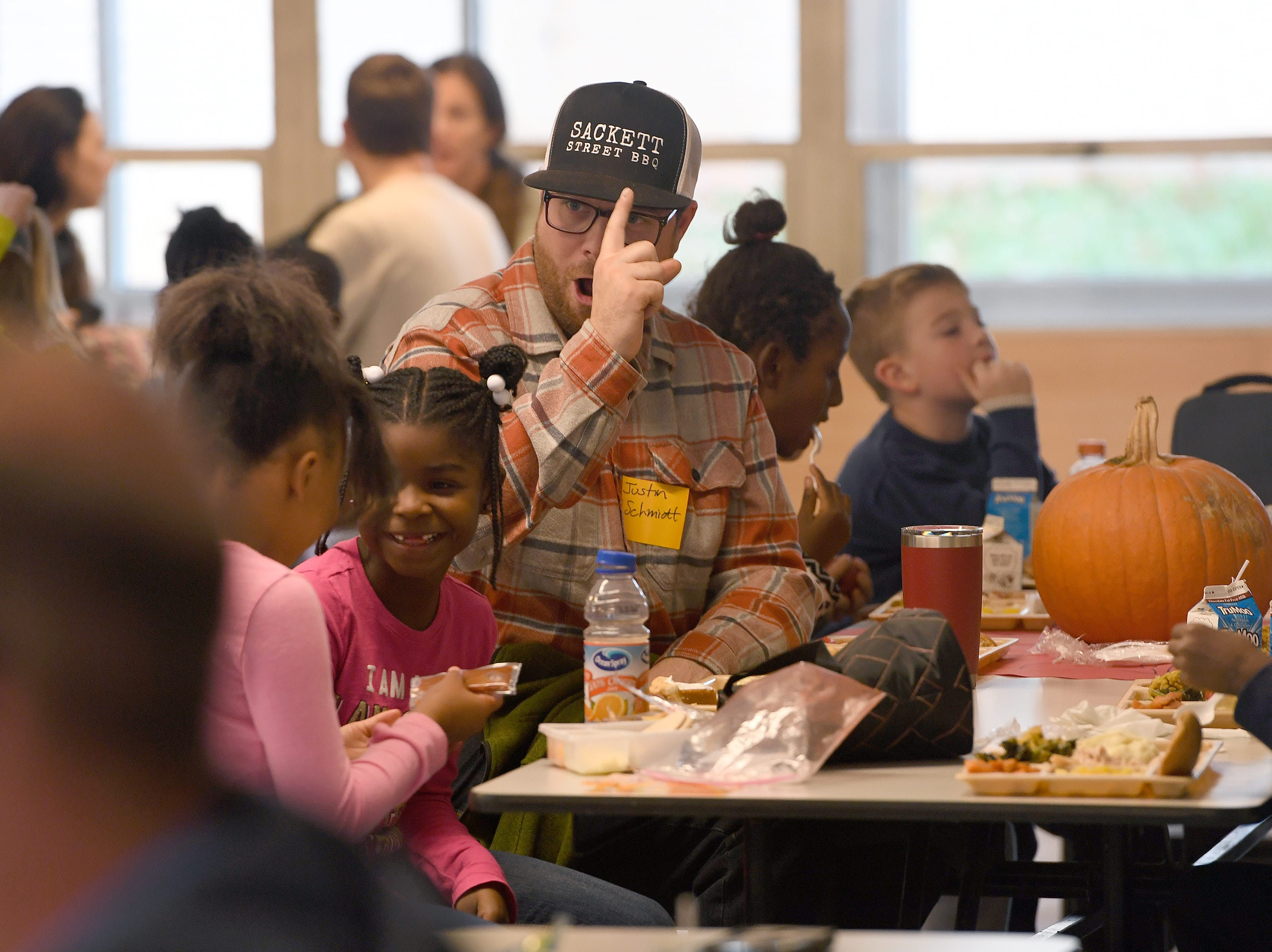 Students and parents were served a special Thanksgiving-style lunch at Ira B. Jones Elementary School on Nov. 14, 2018. Asheville City Schools served a special meal at all of their schools to celebrate the holiday.
