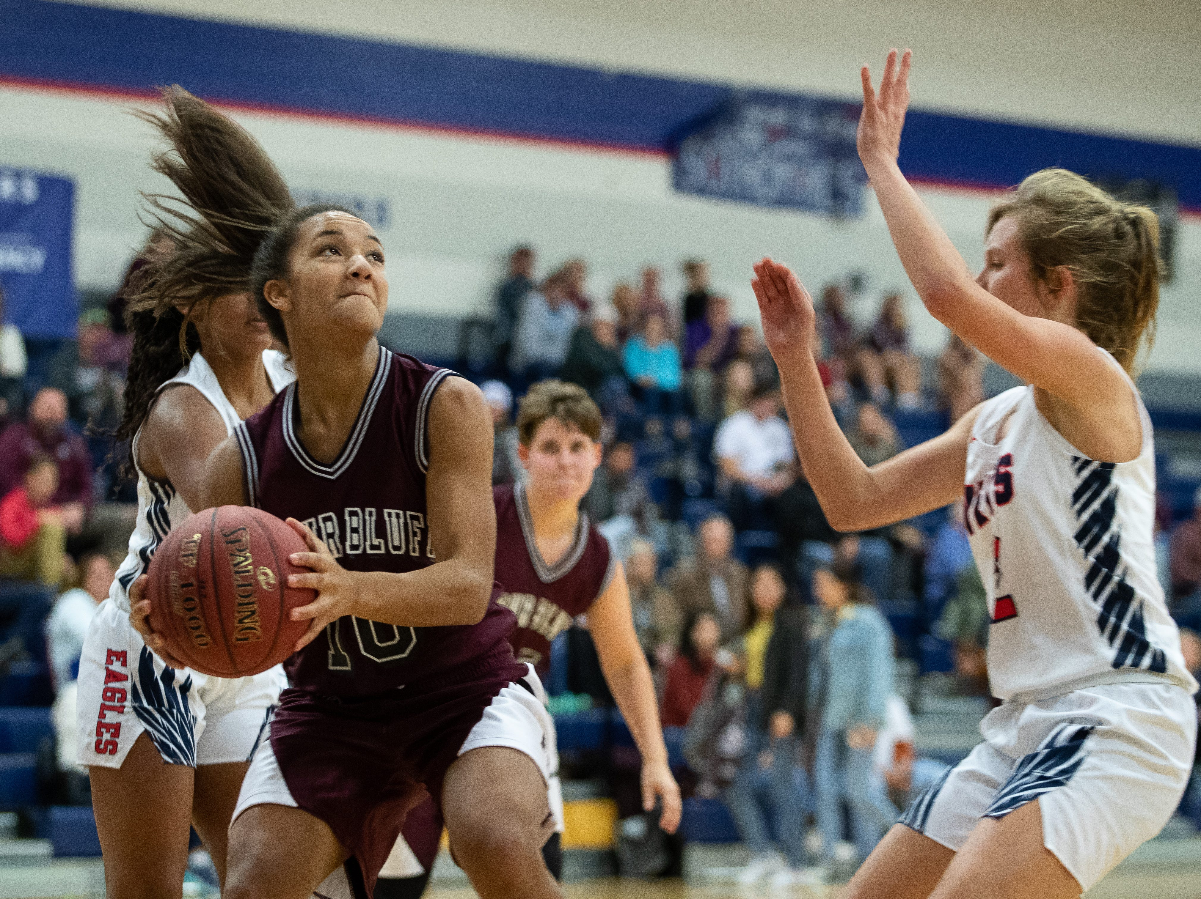Flour Bluff girls open district with win, Veterans Memorial girls move to 3-0