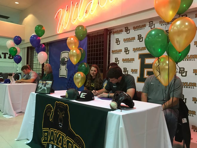 Calallen pitcher Hambleton Oliver signs with Baylor on Wednesday, Nov. 14, 2018. Oliver was a first team All-South Texas selection in 2018 and all-district selection.