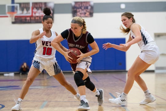 Veterans Memorial defeats Flour Bluff 61-48 at Veterans Memorial Tuesday, Nov. 13, 2018.