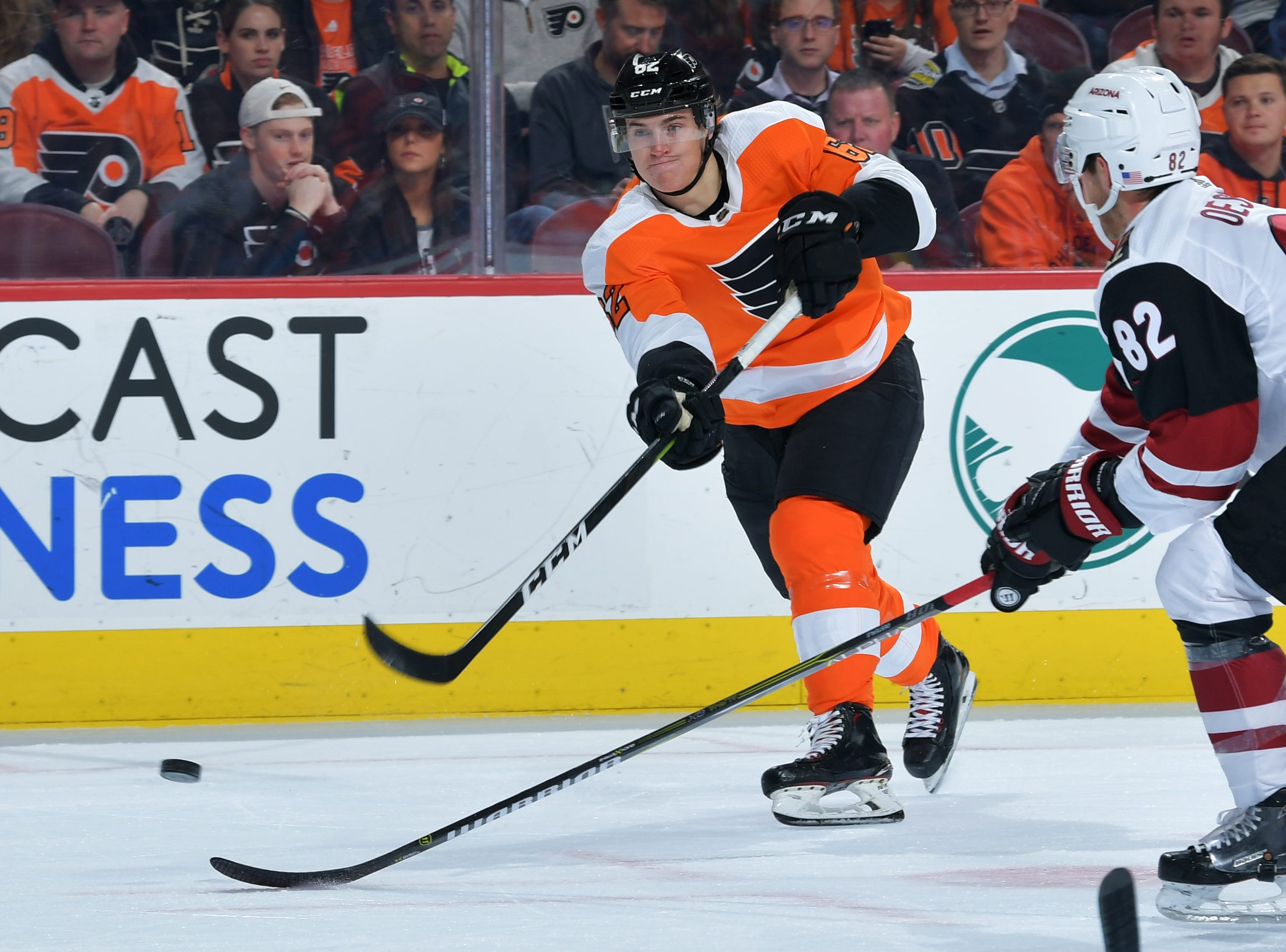 Nicolas Aube-Kubel staying in Flyers lineup, 'fighting for ice time'
