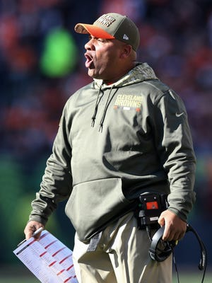 Cleveland Browns head coach Hue Jackson on the sidelines during the game between the Cleveland Browns and the Cincinnati Bengals, Sunday, Nov. 26, 2017.