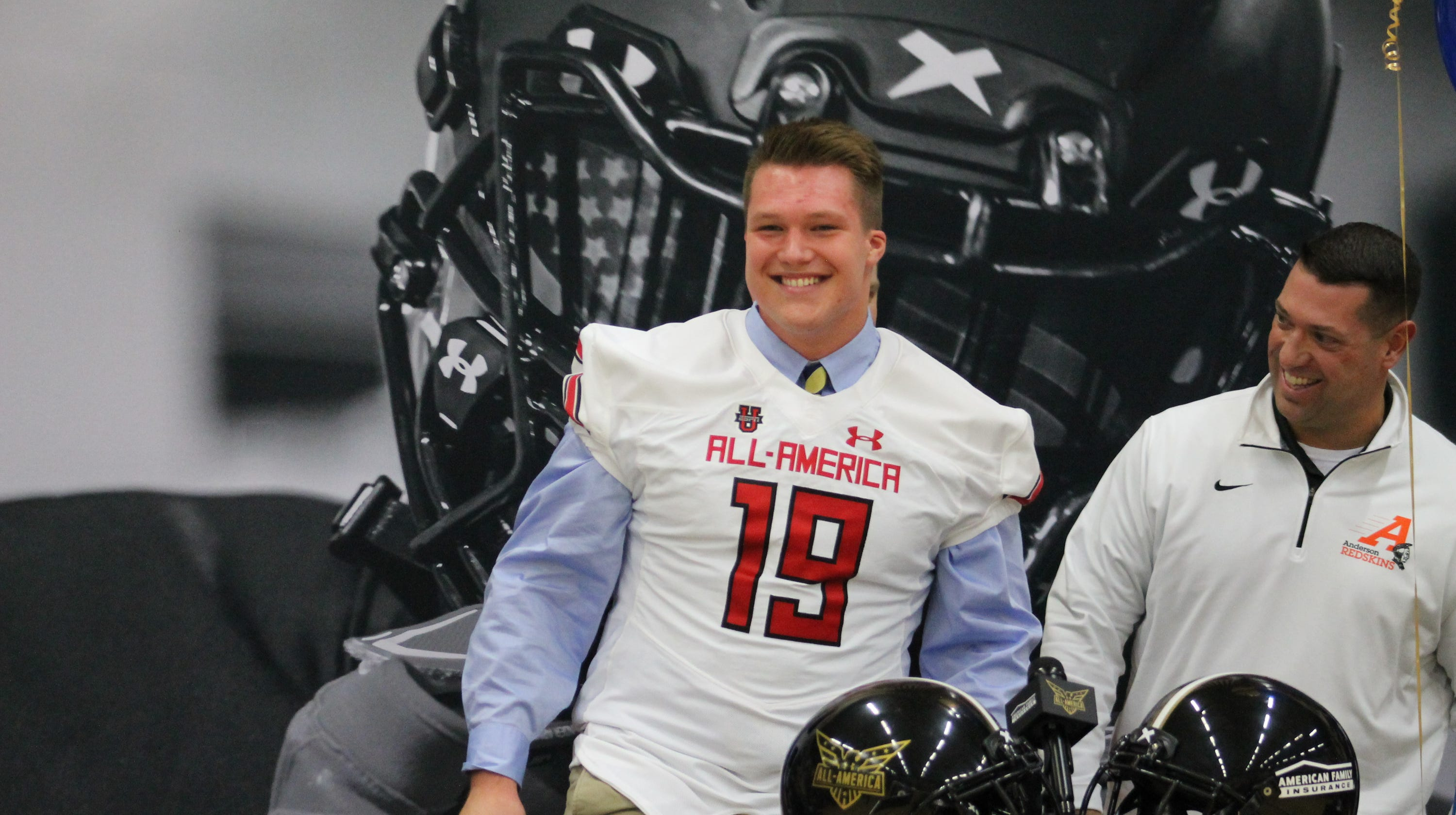 detailed look 7d19f e9f3c Under Armour All-American Zeke Correll to play football at ...