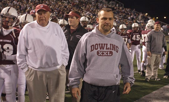 From 2009: Dowling Catholic assistant coach Jim Williams, left, and head coach Tom Williams.