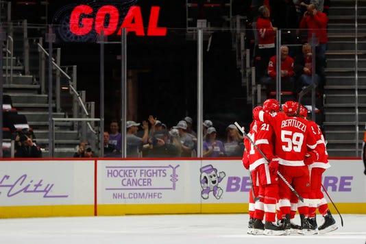 Ap Coyotes Red Wings Hockey 1