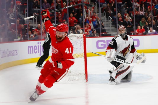 Ap Coyotes Red Wings Hockey 3