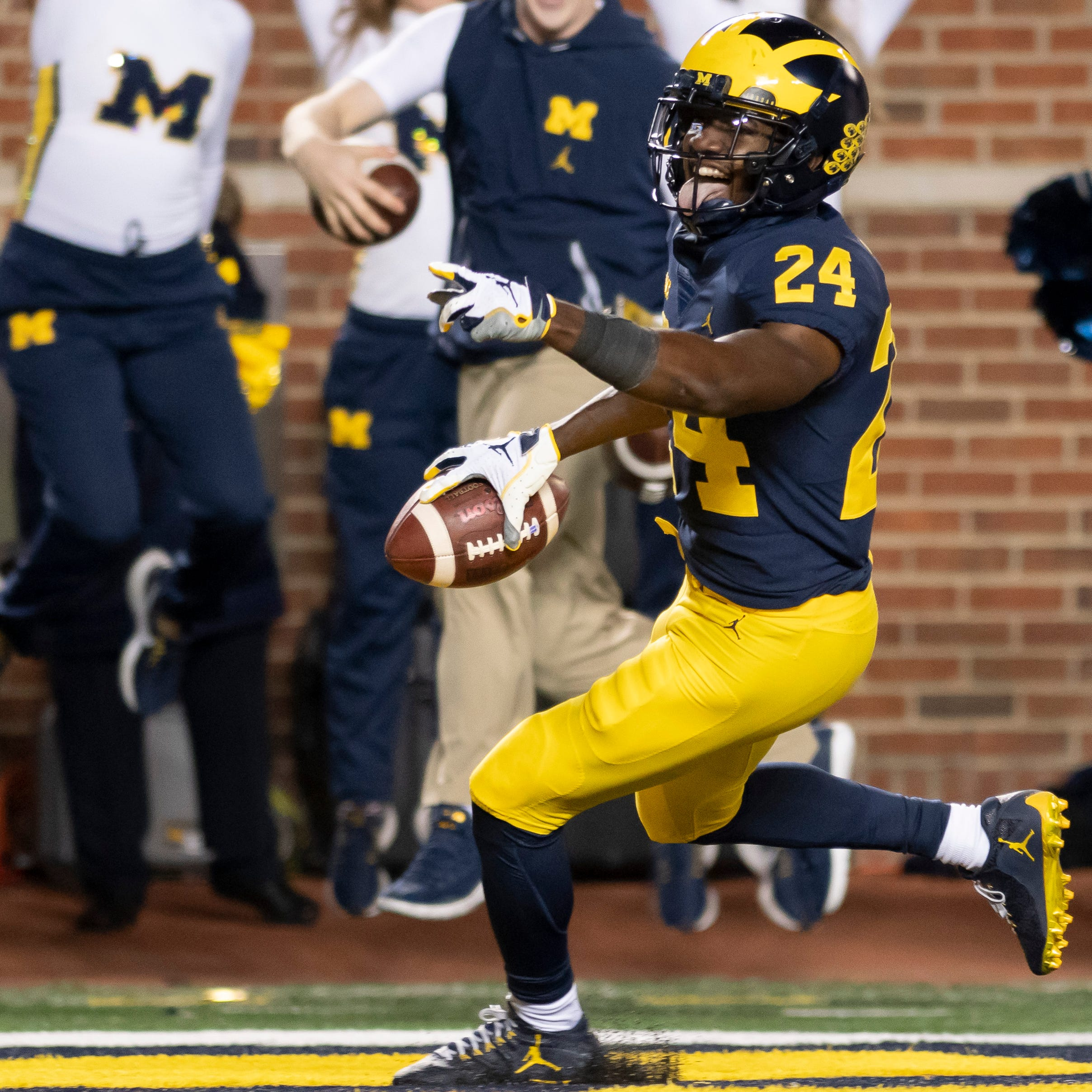 Michigan's Don Brown hopeful Lavert Hill, Josh Metellus can play vs. Indiana