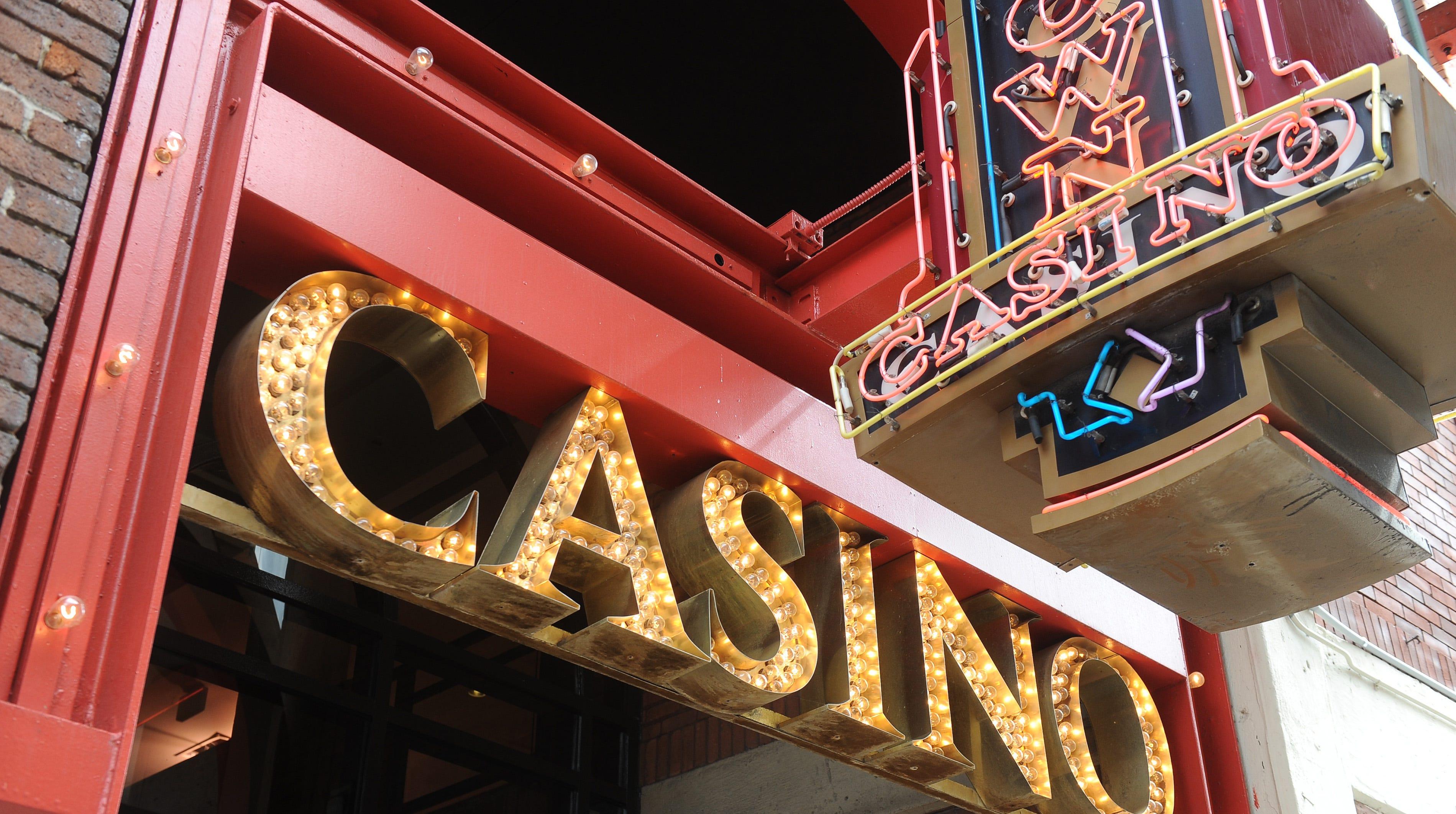 92dfb13c-e2e2-49bc-b806-267932bdd415-greektown_casino_marquee