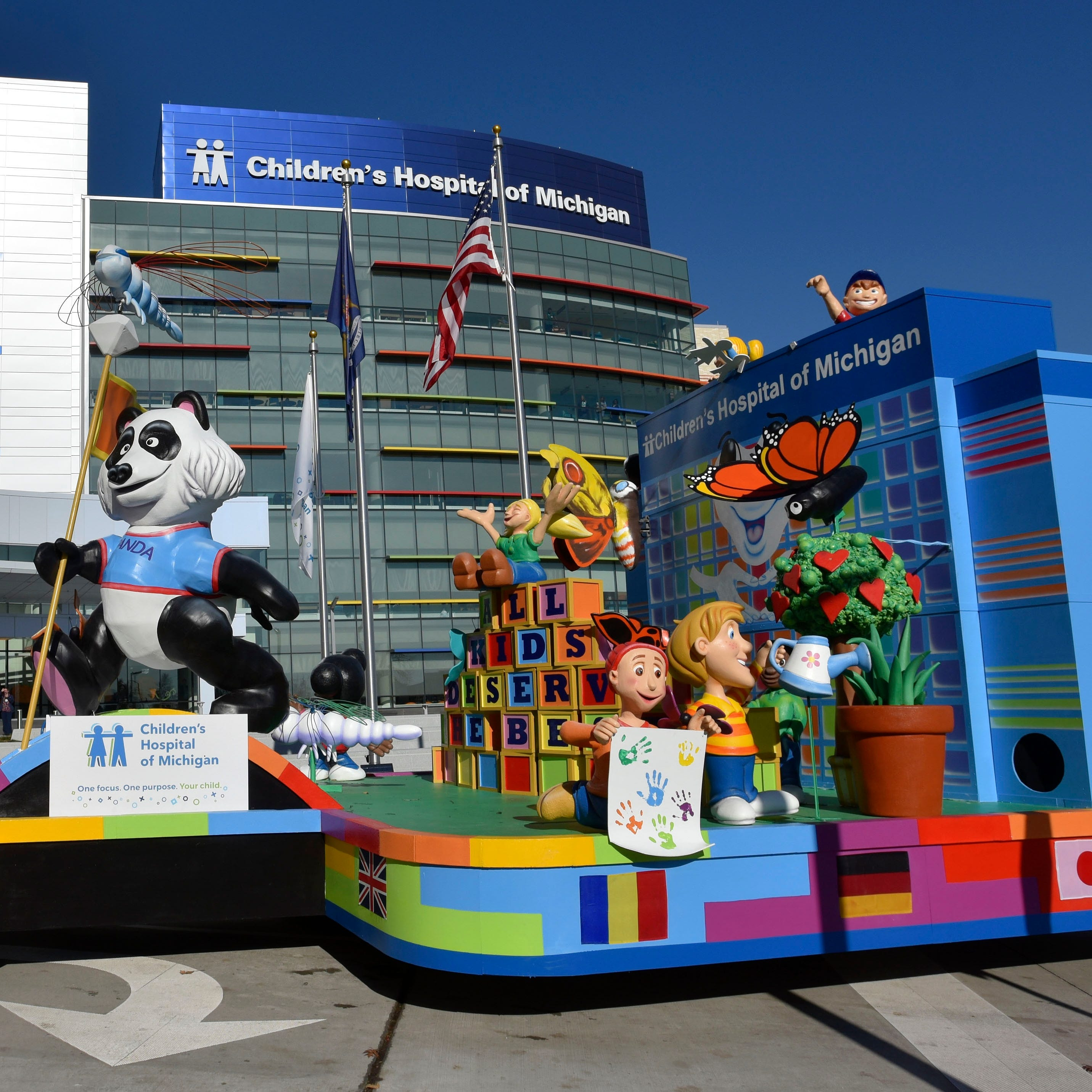 Children's Hospital float debuts — with an injury
