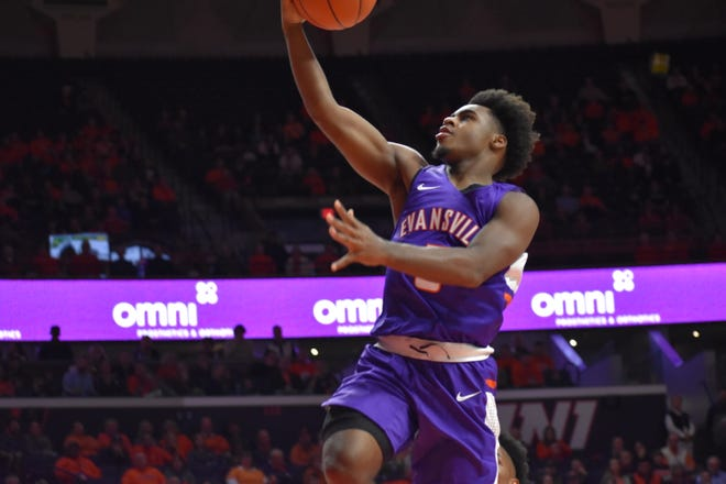 Evansville freshman Shamar Givance impressed in his debut at Illinois with four points, three rebounds and four assists in 13 minutes.