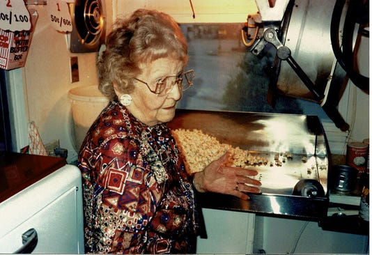 Popcorn Stand 2 Agatha Shows How