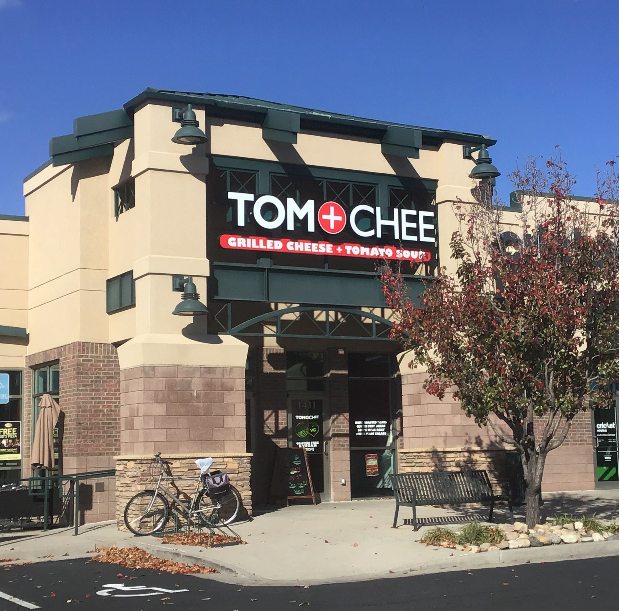 Tom & Chee opens Loveland location
