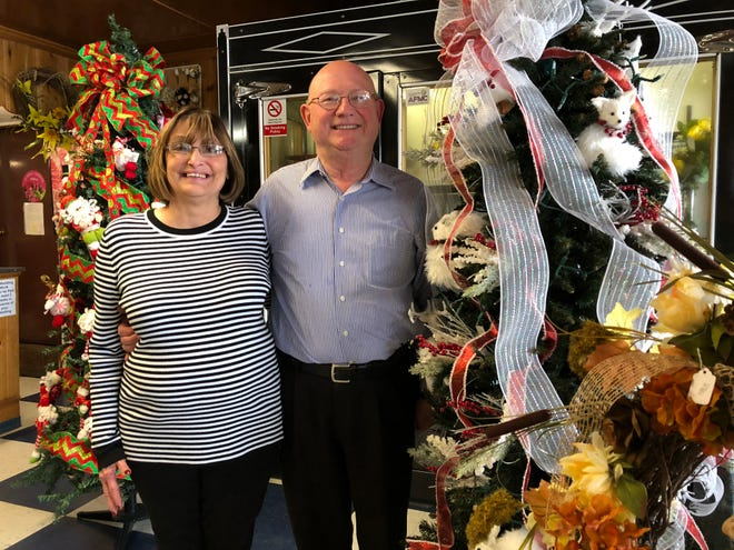 Even with more than 85 years of full-time floral experience between them, Shaw's Flowers owners Larry and Cindy (Shaw) Dixon represent only a fraction of the experience of their veteran staff as Shaw's celebrates its 90th anniversary.