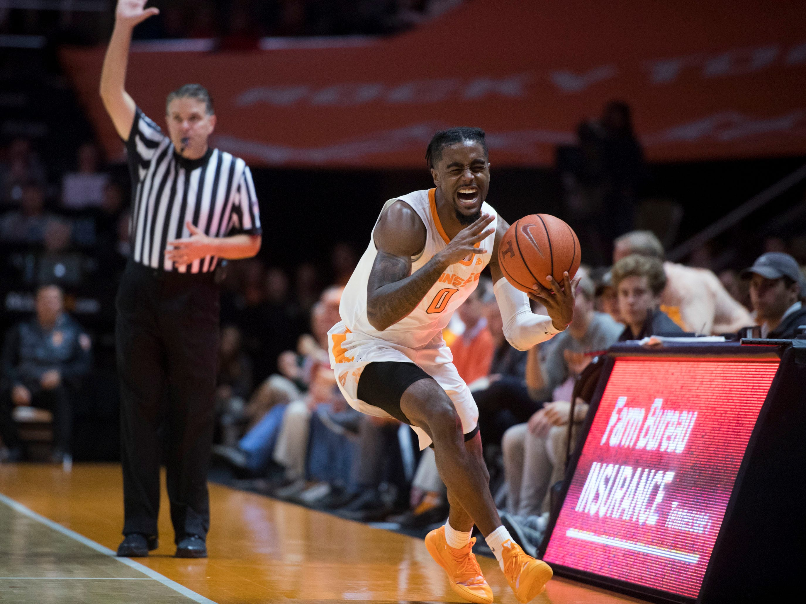 Tennessee's Jordan Bone (0) chases a ball out of bounds during the game against Georgia Tech on Tuesday, November 13, 2018.
