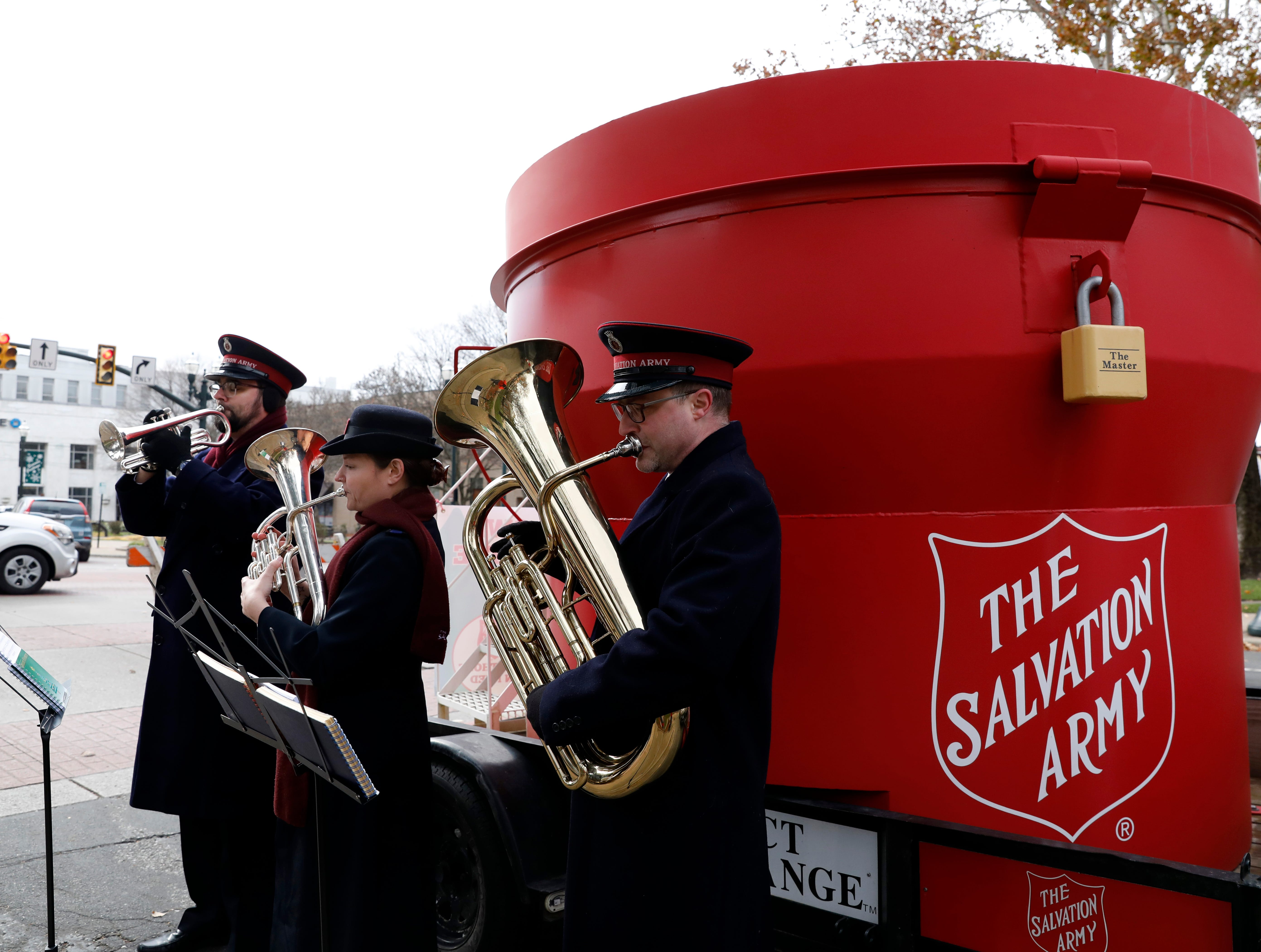 World's largest Salvation Army red kettle visits Lancaster, kicks off annual fundraiser
