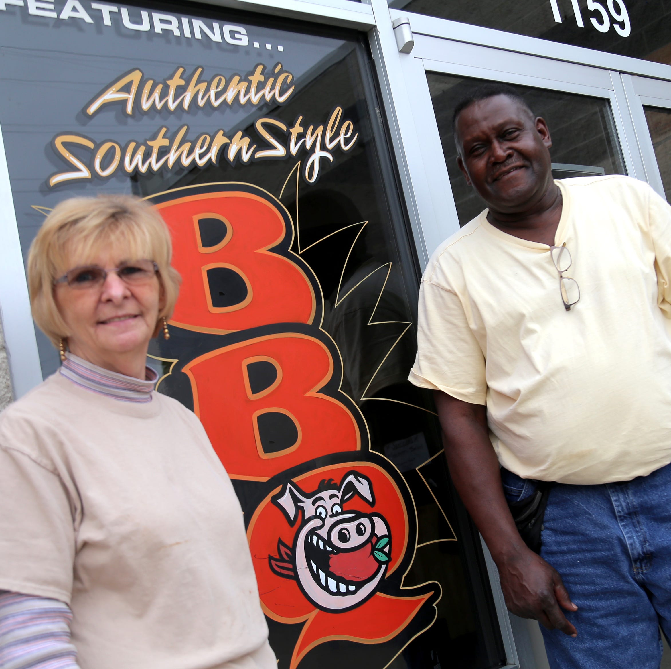 Thanksgiving meals free at Belly Busters BBQ