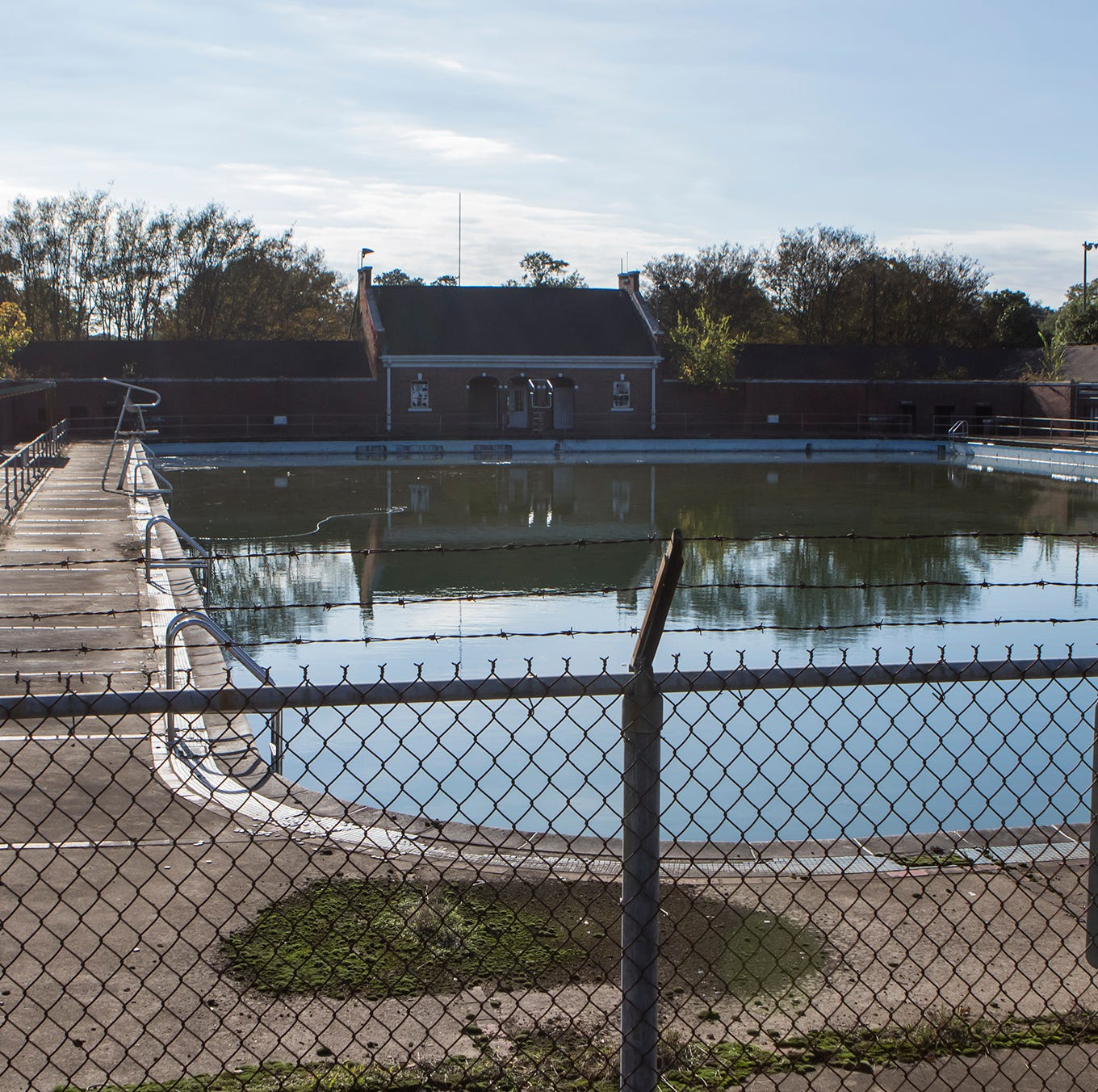 Plans for tennis courts at former Swayze pool fail; What's next?