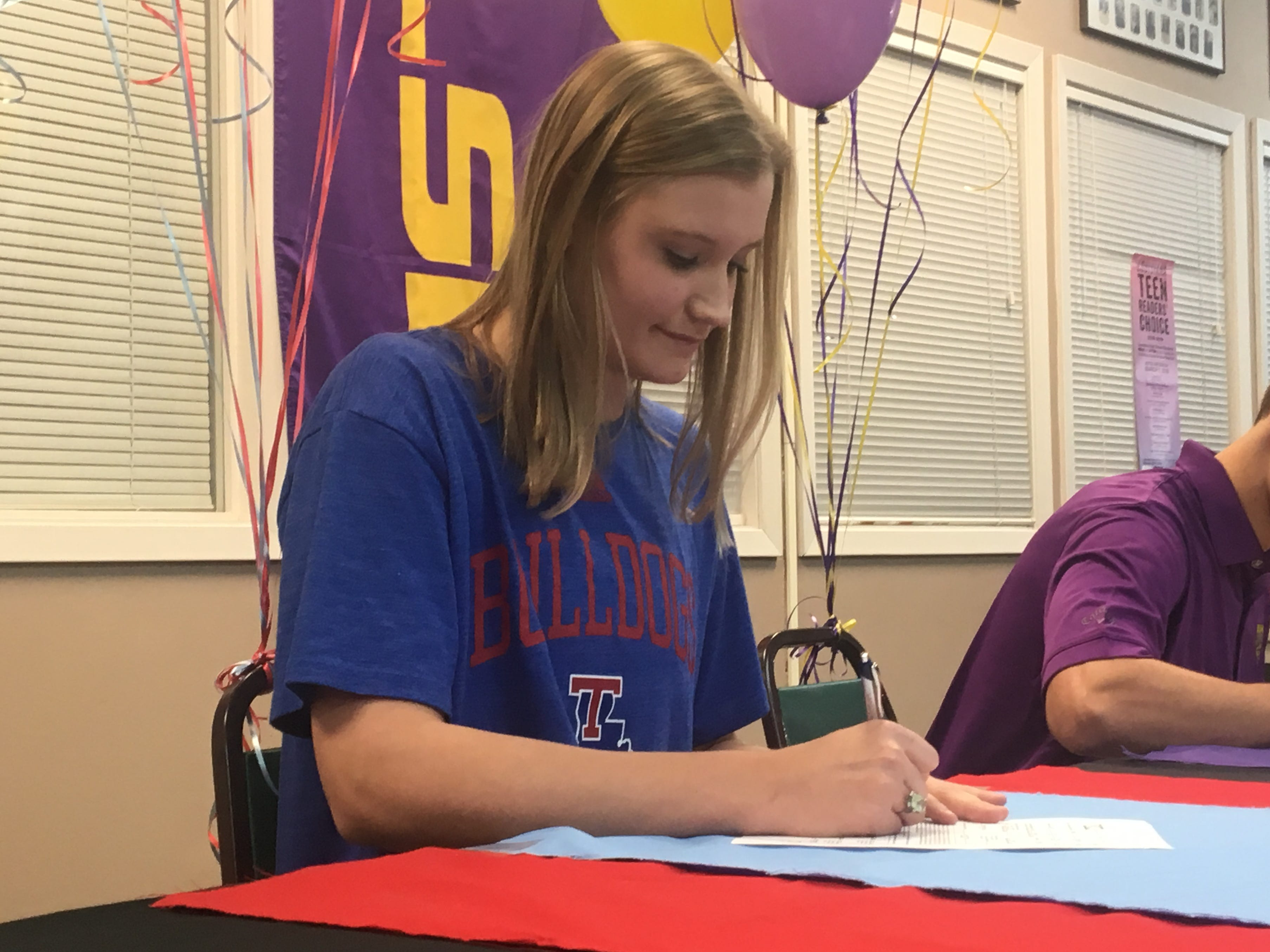 Cedar Creek's Roberson stays close to home, signs with Lady Techsters