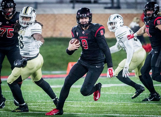 Ball State's Drew Plitt runs against Western Michigan during their game at Scheumann Stadium Tuesday, Nov. 13, 2018.