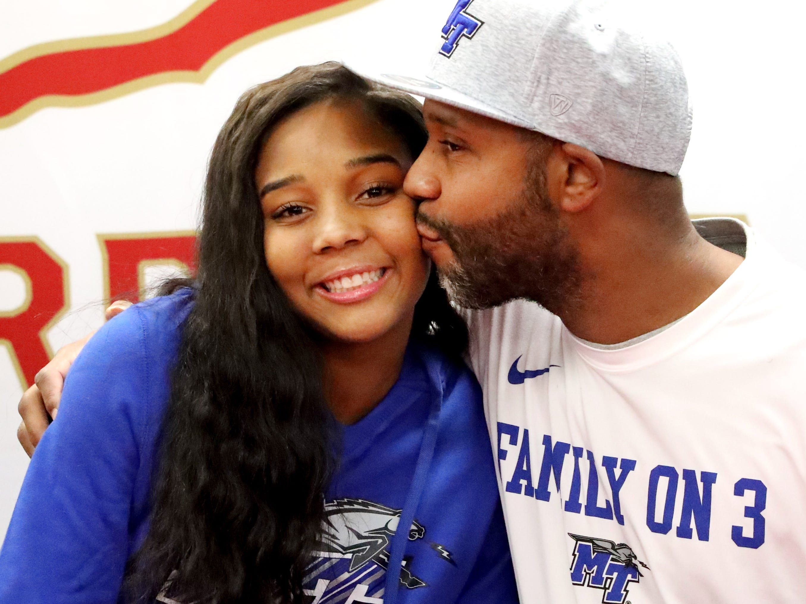 Riverdale's Aislynn Hayes signed to play basketball at MTSU on Wednesday, Nov. 14, 2018.