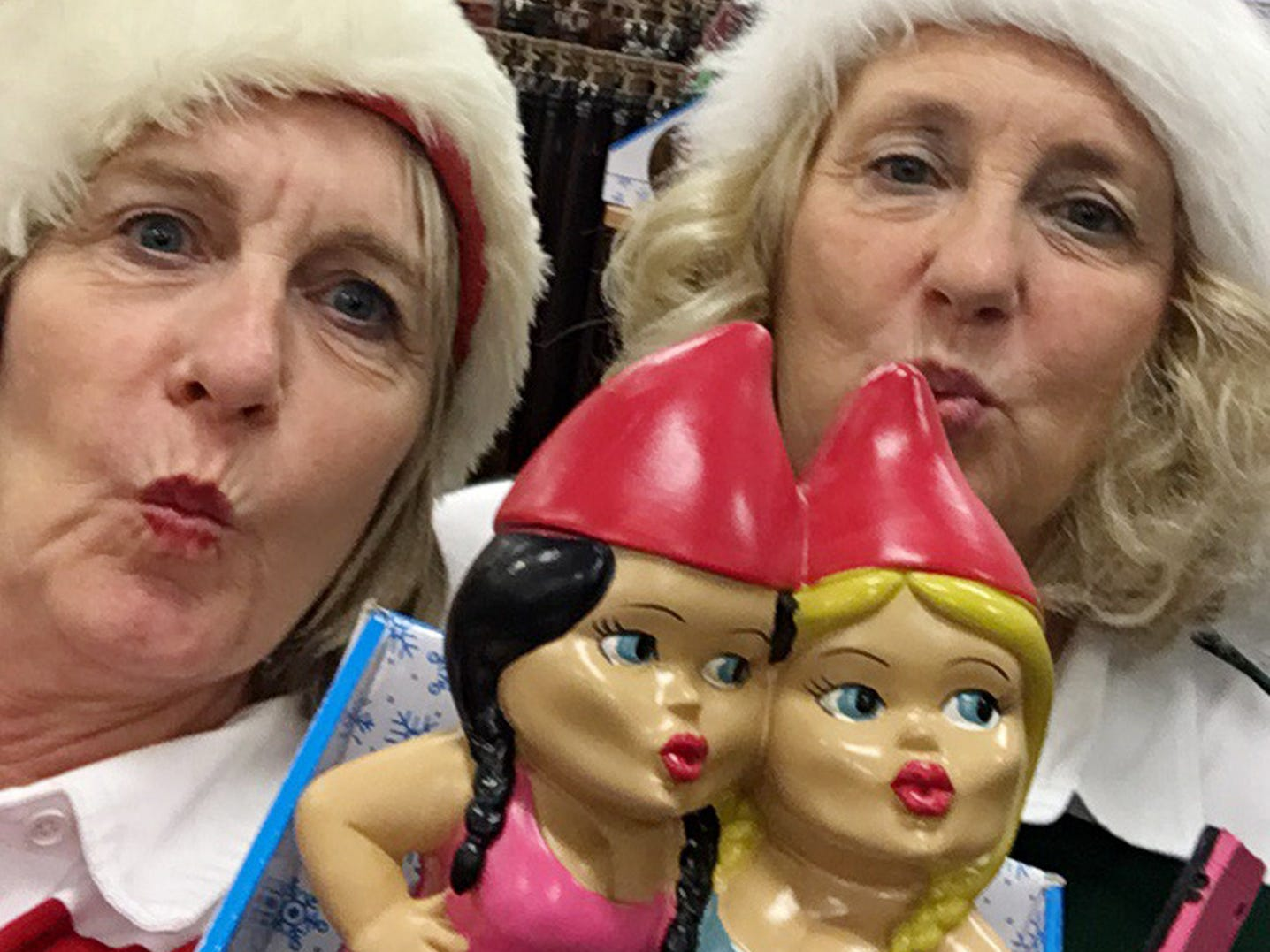 Sisters Jacci Rodgers and Marcia Thorpe Black Friday shopping in 2016.
