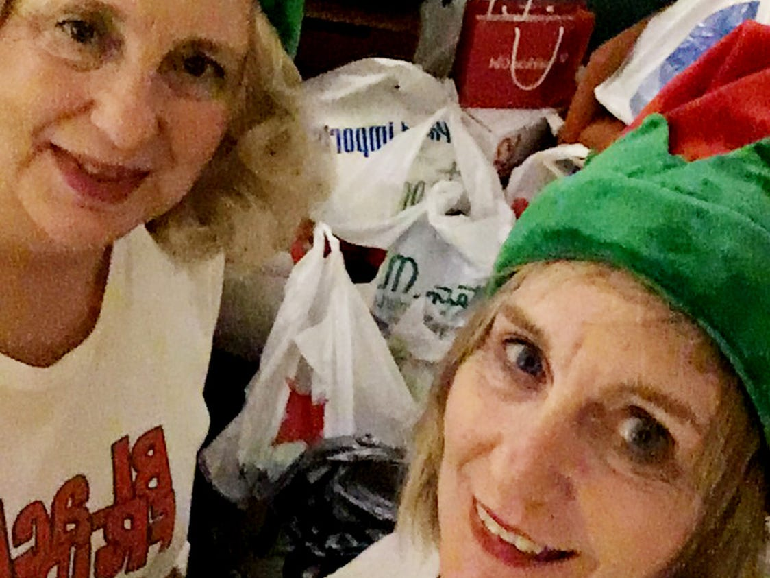 Shopping sisters Jacci Rodgers and Marcia Thorpe.